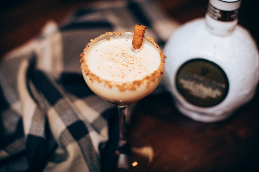 Alright You Deserve This One Relax And Cuddle Up With The Mozart Oatmeal Cookie Cocktail Get This Chocolate Liqueur White Chocolate Liqueur White Chocolate