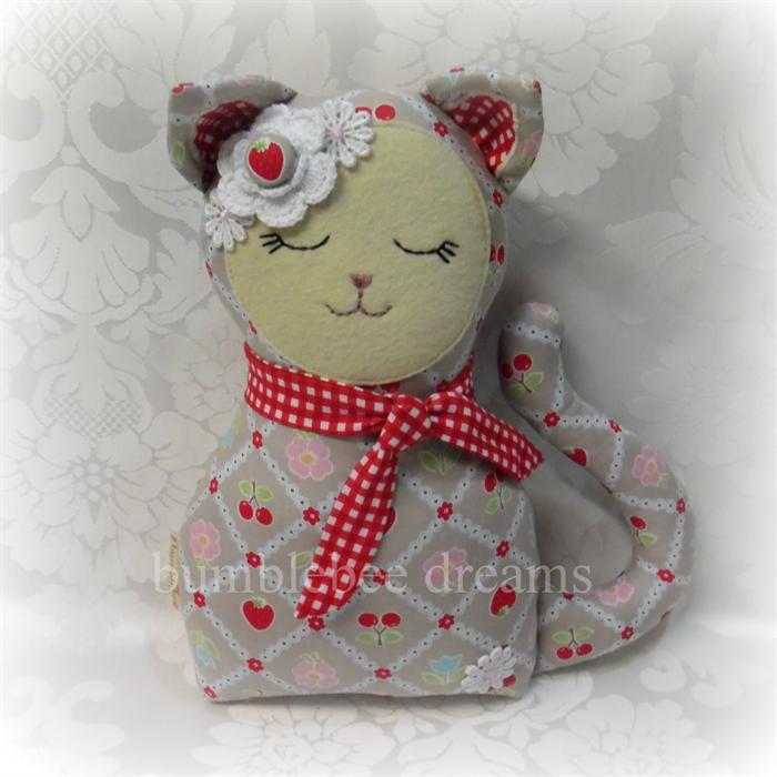 """Strawberry"" the Kitty Cat softie Игрушки"