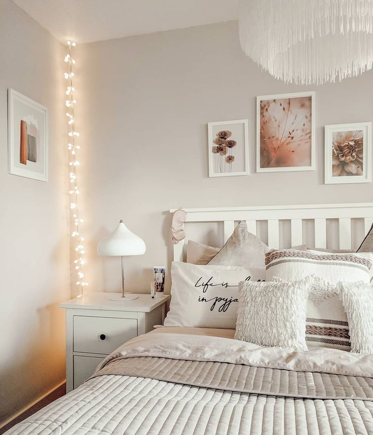 Scandi Boho bedroom with white IKEA Hemnes furniture and fairy lights tassled c,  #bedroom #B... #fairylights