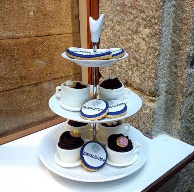 Ya conoces la nueva bandeja cupcake de sargadelos a - Ceramica de sargadelos ...