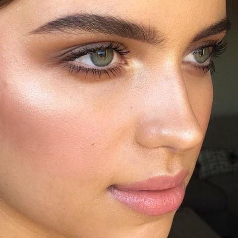 Loving this vibrant natural look makeup... Interested in trying some new makeup looks for a special occasion... Try my Introduction Makeup Tuition 60 min $65 - $50 redeemable with purchases of products.  Contact details in my profile, have a beautiful day.�� . . . #makeup #naturalmakeup #organicmakeup #makeupartist #ecomakeup #ecomakeupartist #naturalmakeupartist #noosa #noosamakeupartist #noosaecomakeupartist #wedding #weddingmakeup #bridalmakeup…