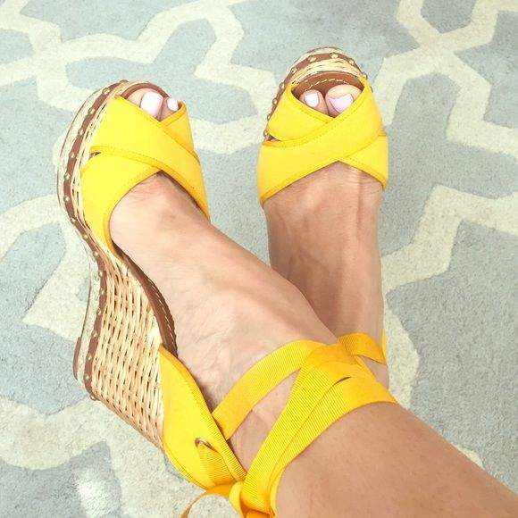 Dolce and gabbana yellow and rattan espadrilles Dolce and gabbana size 41 yellow and rattan espadrilles. They tie around ankle. Worn once and in amazing condition. Box and bag included. Perfect for summer! Dolce & Gabbana Shoes
