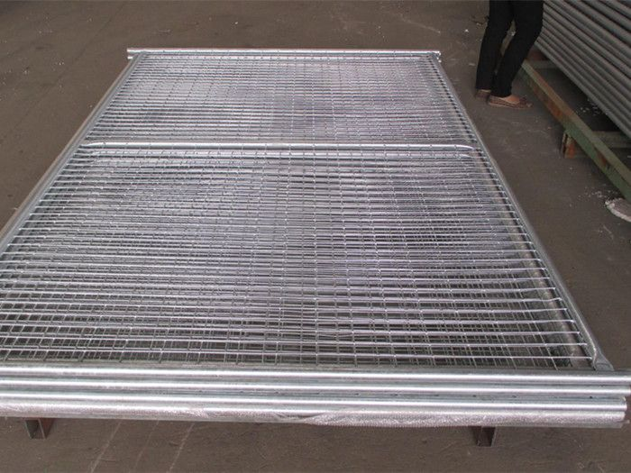 Hot-dip galvanized temporary fence, welded mesh type This type is