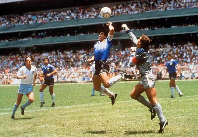 Argentina S Diego Maradona Scored The Hand Of God Goal Against England In 1986 Daniel Motz Is One Of A Few Photograp Diego Maradona World Football World Cup