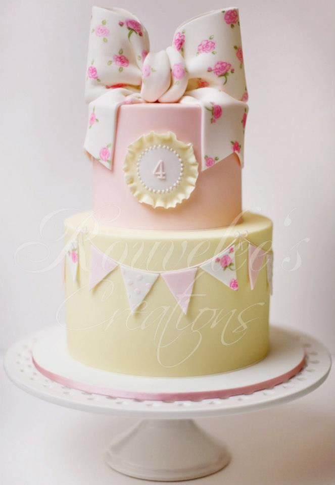 Rouvelles Creations cake perfectly sweet for a shabby chic baby