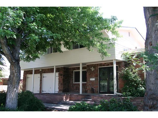 In Coveted Belcaro Neighborhood 530 S Harrison Ln Denverhomesforsale 4 Bd 3 Ba 2 937 Sf 690 000 Stoves Range Property Real Estate Companies