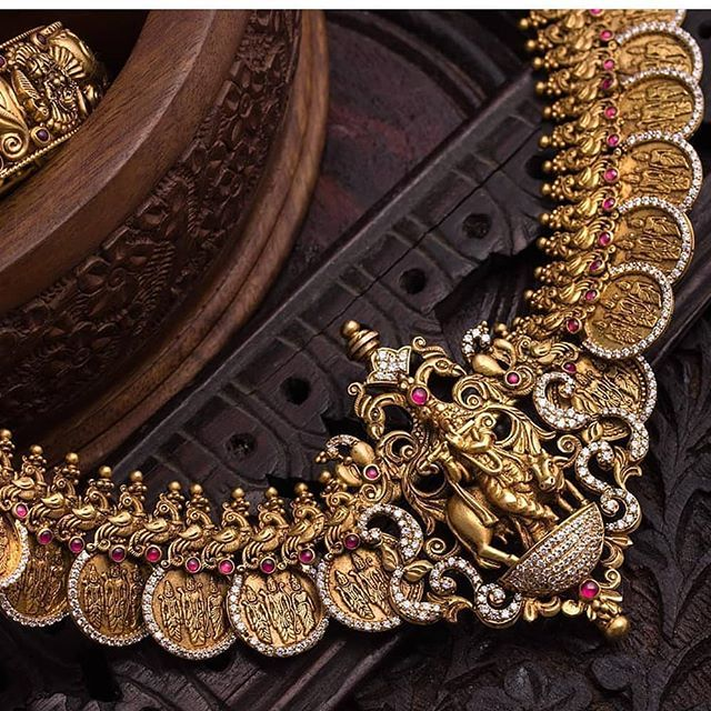 Antique Gold Jewellery Designs