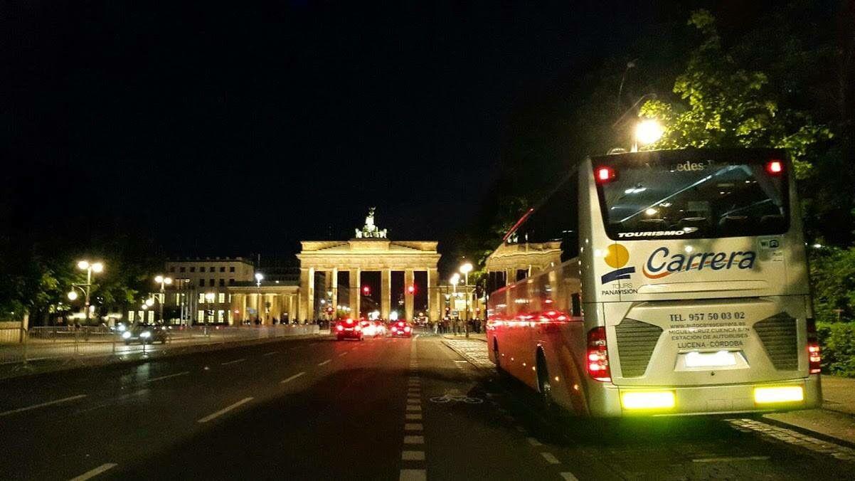Autocares Carrera en #Alemania #Berlin #PuertaBrandeburgo #autobus…
