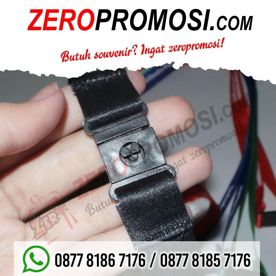 Souvenir Tali Id Card Dengan Safety Break Tali Lanyard Promosi Hijau Biru Warna