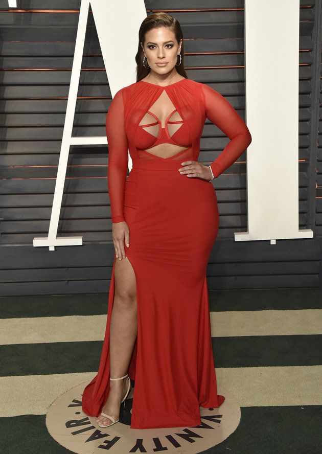 02338e828d3 Ashley Graham Steals The Spotlight In Super Sexy Red Dress. When a full  figure woman looks this good.