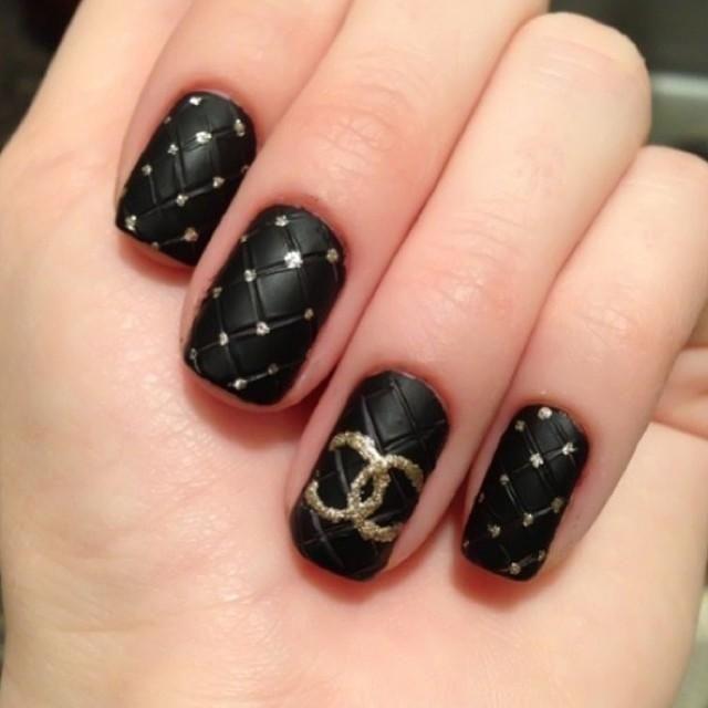 Black & Gold Chanel - Nails! - Black & Gold Chanel - Nails! Must Have Mani's Pinterest