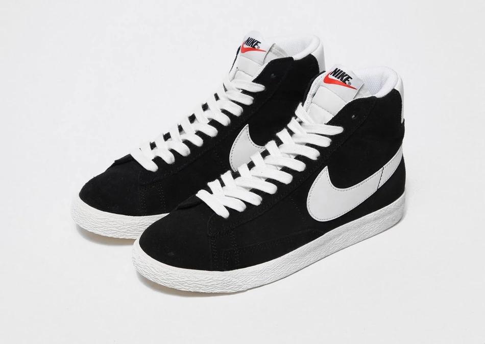 Black nikes, Nike blazer