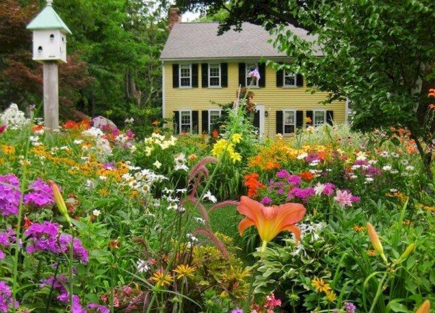 28 low maintenance small front yard landscaping ideas ...