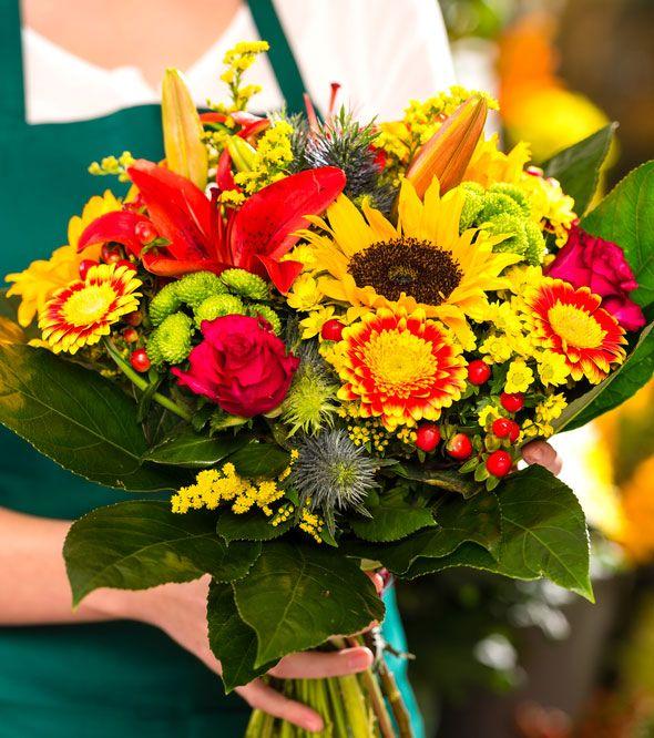 Flower arranging - how to make flower bouquets last longer