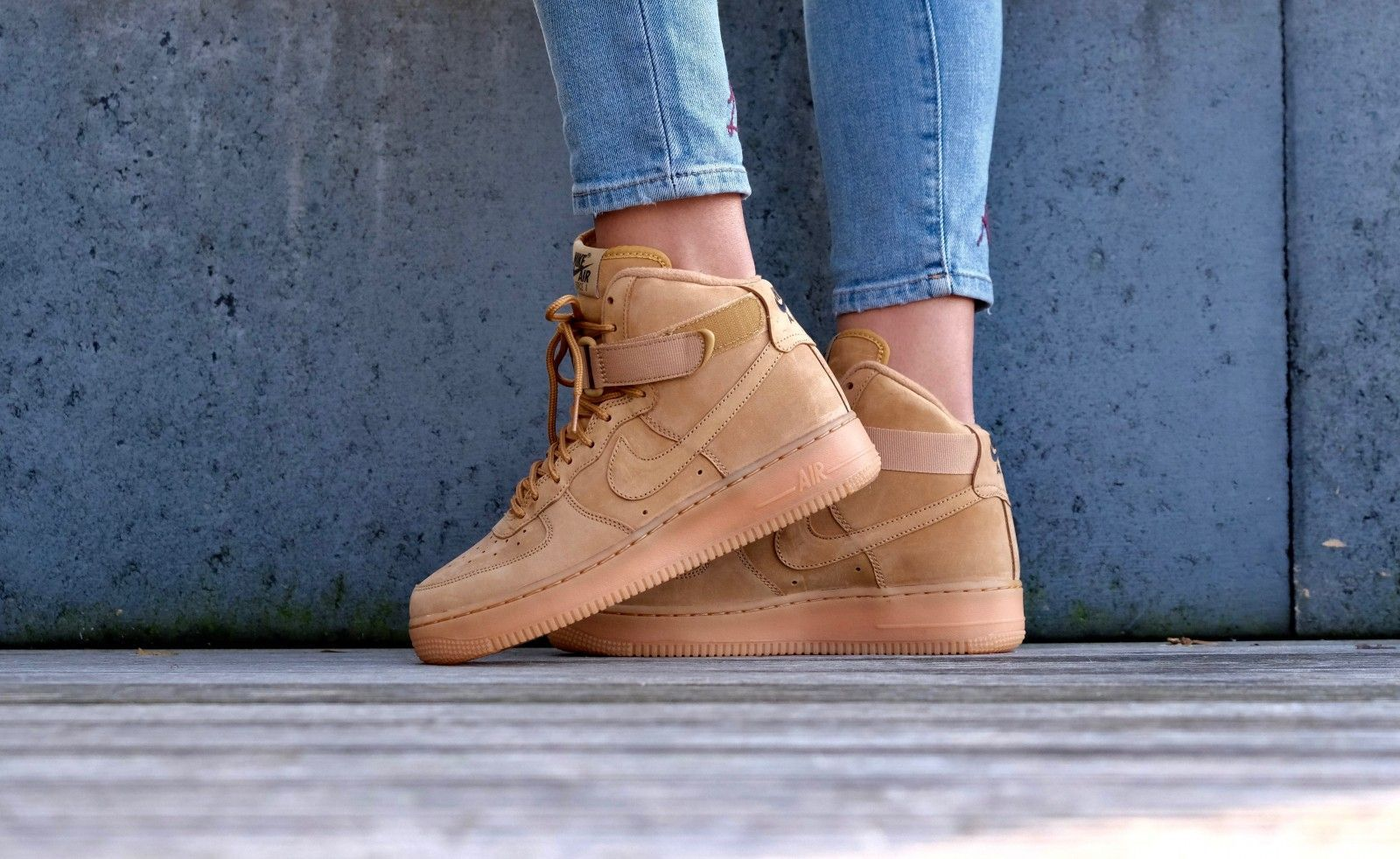 new product 42833 df960 Nike Air Force 1 High Lv8 GS Flaxx2FFlax - 807617-200