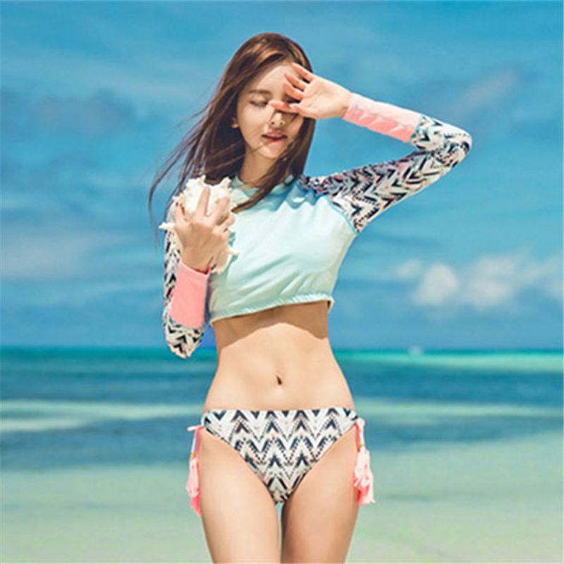 d164b22b3510 el traje de baño es de manga larga | Playa | Trajes de baño, Ropa de ...
