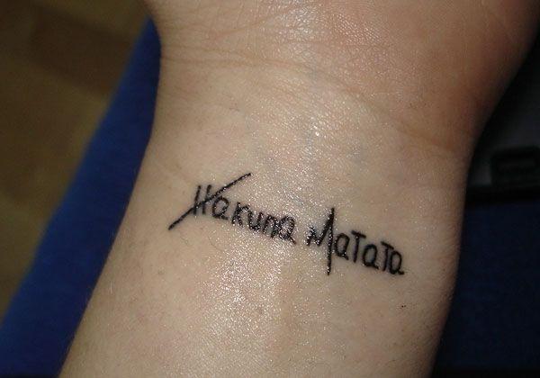 10512c549e5 hakuna matata. | Tattoos. | Wrist tattoos, Body tattoo design, Tattoos