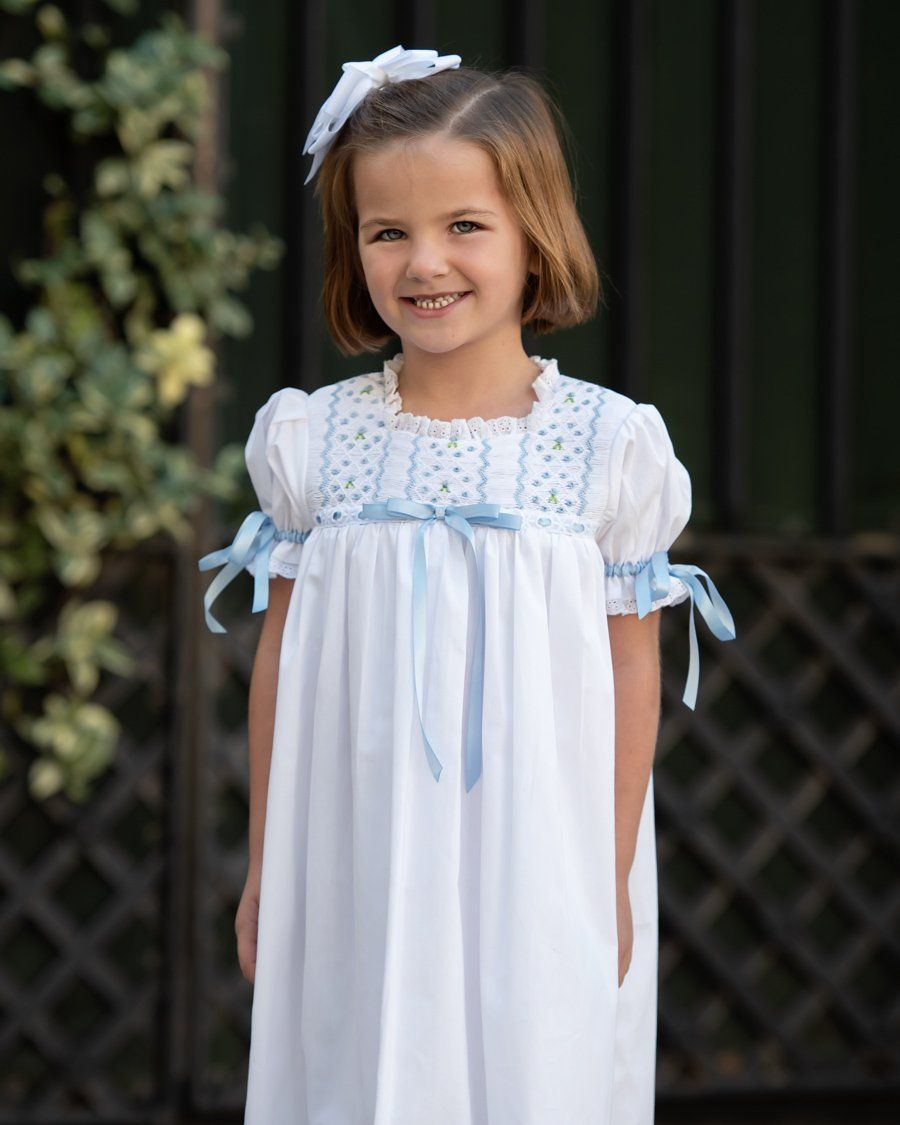 Old Navy 4t White Dress With Metallic Stitching White Dress Dresses Clothes Design [ 1740 x 580 Pixel ]
