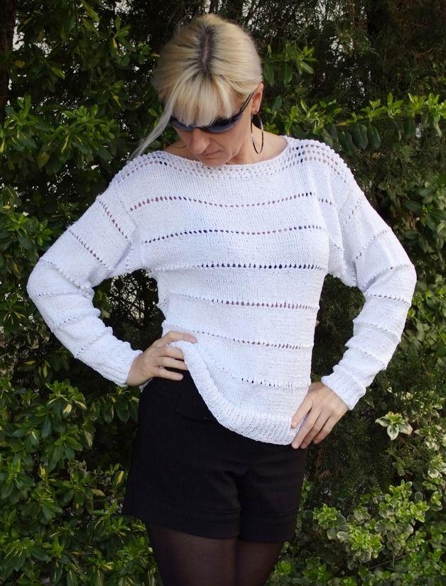 Bialy Luzny Sweter Z Azurowym Wzorem Z Wloczki Bawelnianej Z Dodatkiem Wiskozy Idealny Na Letni Wakacyjny Wieczor Luzny Kroj Na Fashion Sweaters Pullover
