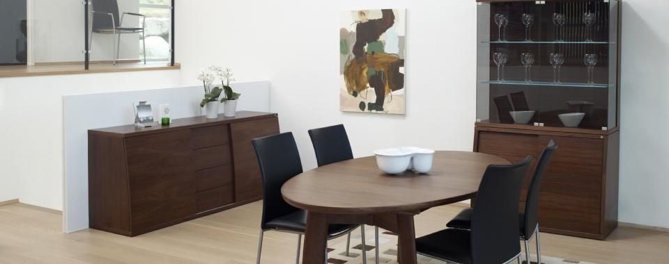 SM71 Extending Dining Table From Skovby | Mia Stanza