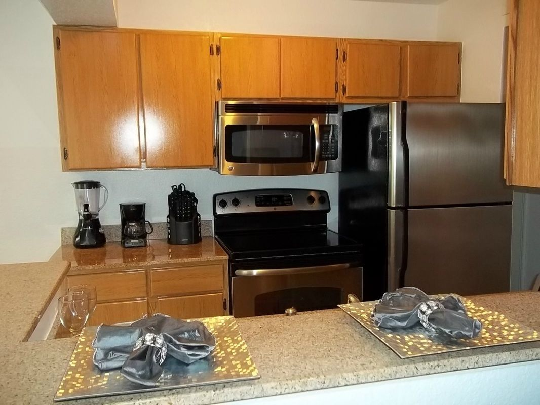 1 Bedroom Fully Furnished All Inclusive Luxury Condo In The Metrowest Area Near Universal Studios Corporate Housing Luxury Condo Furnished Apartment