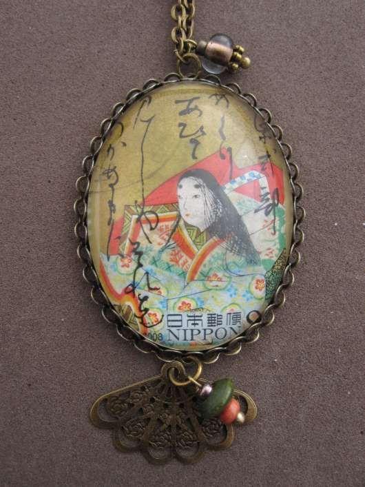 Halsketten mit großen Bildmotiven aus original japanischen Briefmarken.