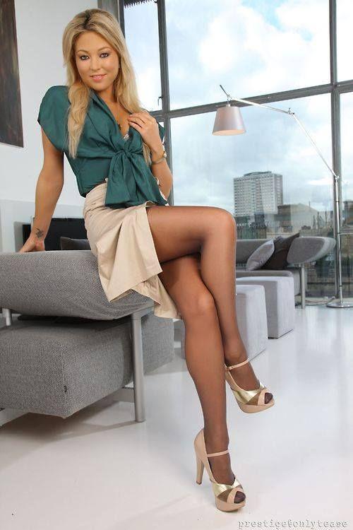 she 39 s got great legs office secretary b ro sekret rin business pinterest she s legs. Black Bedroom Furniture Sets. Home Design Ideas