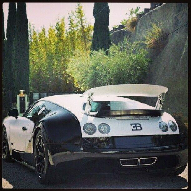 Bugatti Veyron Spoiler: Black & White Beast - Bugatti Veyron