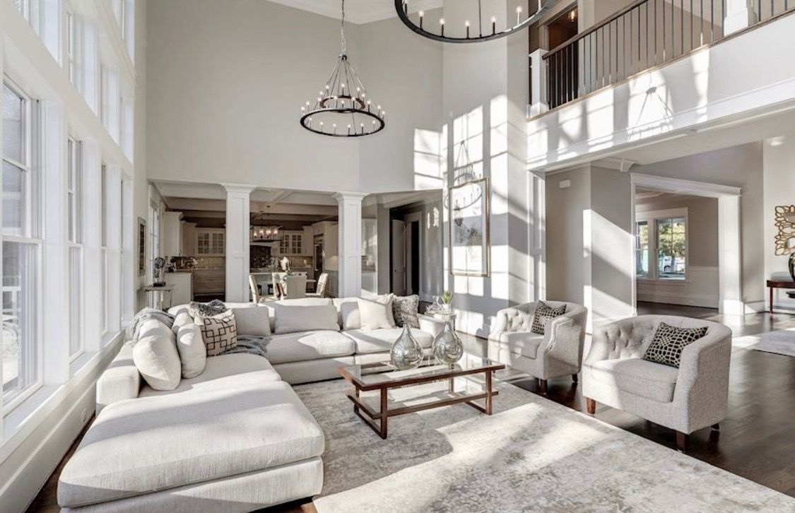 Gorgeous All White Luxury Living Room Decor With Big Sectional Sofa Hardware Style Living Luxury Living Room Decor Luxury Living Room Living Room Floor Plans