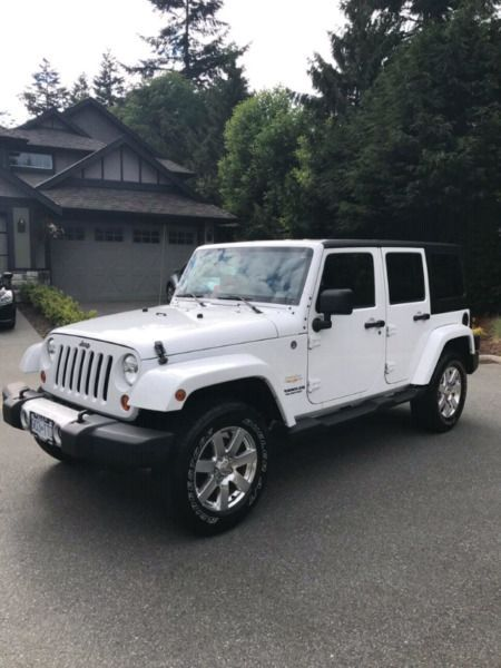 For Sale 26000 2020 Jeep Wrangler Sahara White 4 Door No Accide In 2020 Dream Cars Dream Cars Jeep Jeep Cars