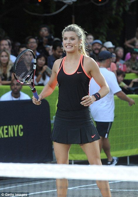 Sharapova Federer Williams And Co Recreate Famous Nike Advert Tennis Clothes Tennis Outfit Women Tennis Stars