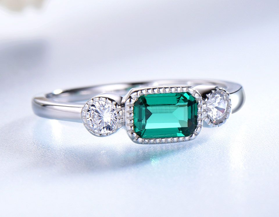 Wanna Find A Rings For Engagement And Wedding We Have Unique Designer Vintage 925 Silver And In 2020 Womens Silver Jewelry Unique Silver Rings Emerald Engagement Ring