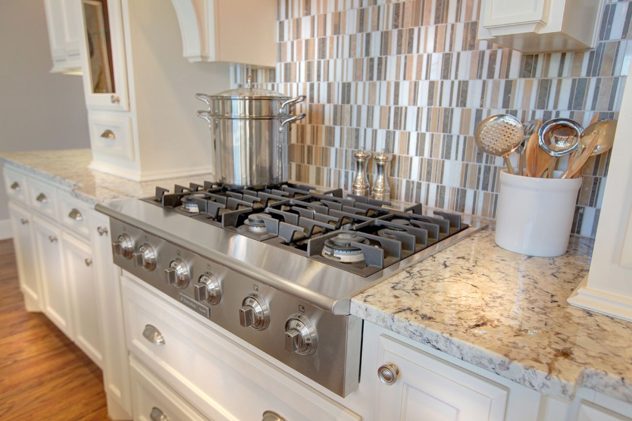 Lakeside DFW model home in Flower Mound, Texas stove top