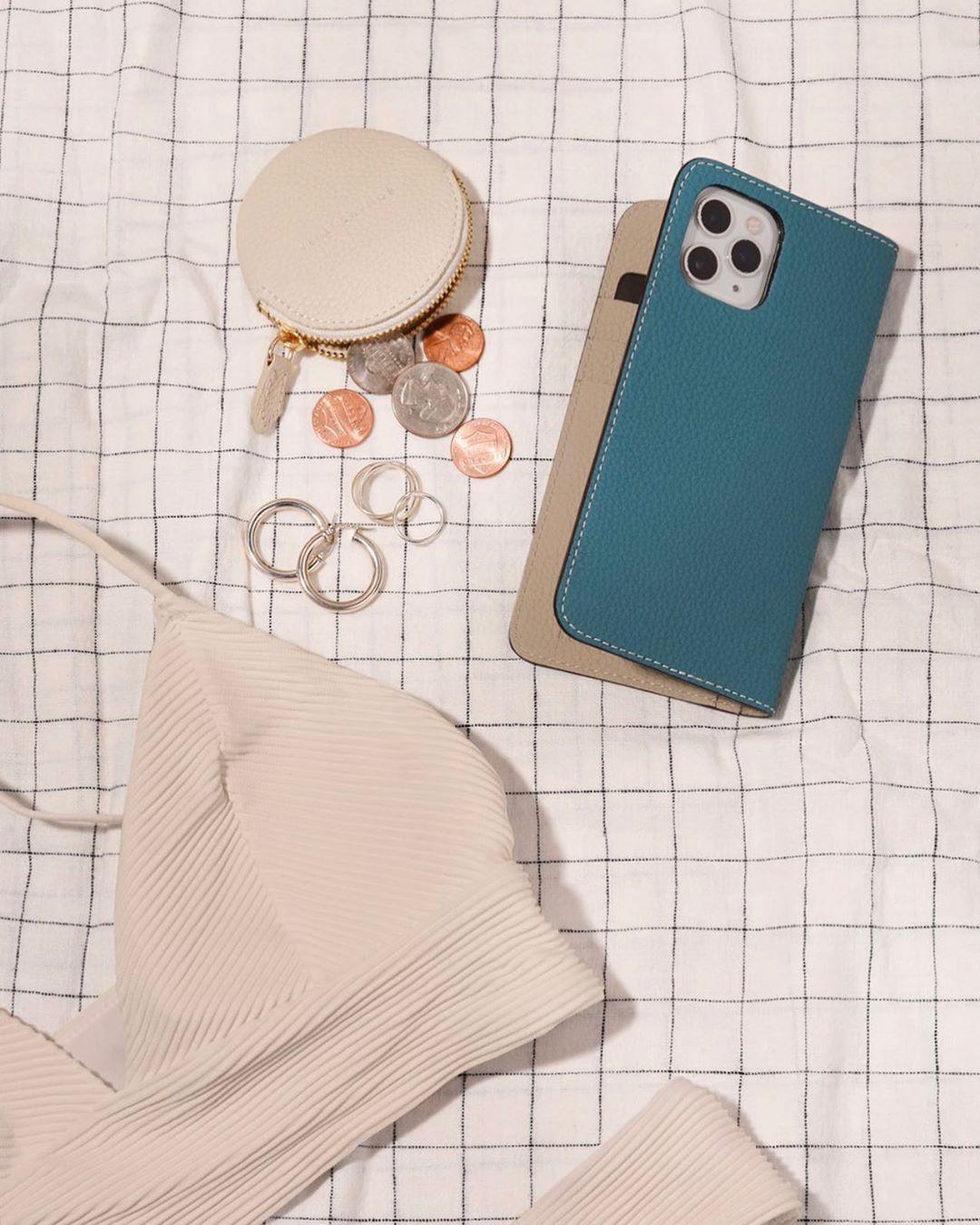 毎年大好評の シアン グレージュ ㅤ 大人の余裕を感じさせる上品で爽やかなカラーです ㅤ 10月末までの期間限定販売のため お見逃しなく ㅤ ㅤ Bonaventura ボナベンチュラ ㅤ Phonecase Iphonecase Iphone 2020 レザー スマホケース レザー カラー
