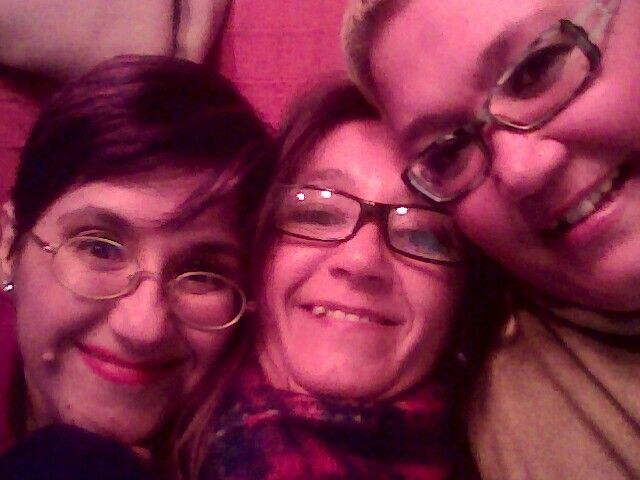 De derecha a izquierda Mari Carmen, Cristina y yo, Mariví; las hermanas Padial Morillas.