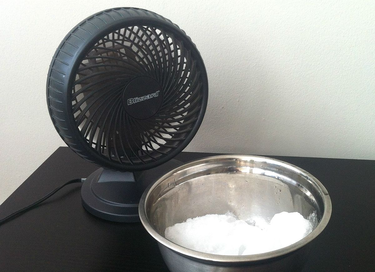 12 Clever Hacks To Help You Beat The Summer Heat Diy Air Conditioner Homemade Air Conditioner Air Cooler Fan