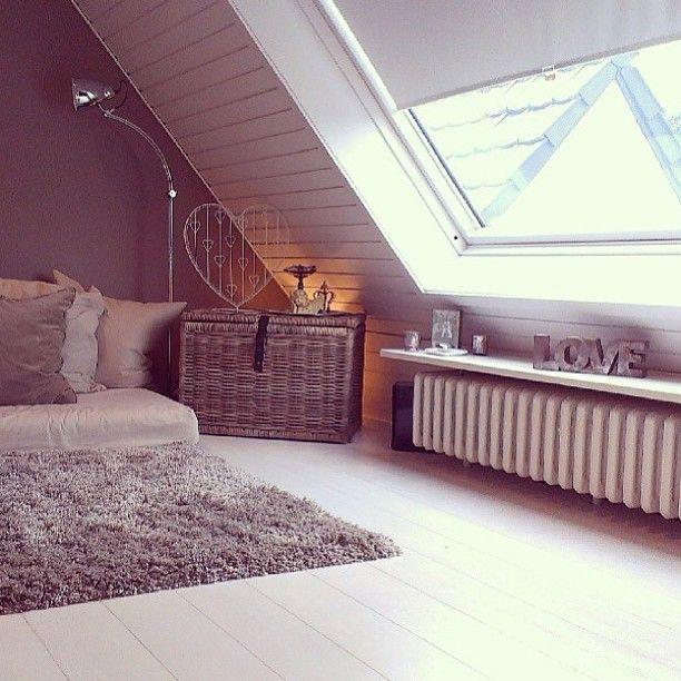 Attic idea or room with extra space, półka nad grzejnikiem home