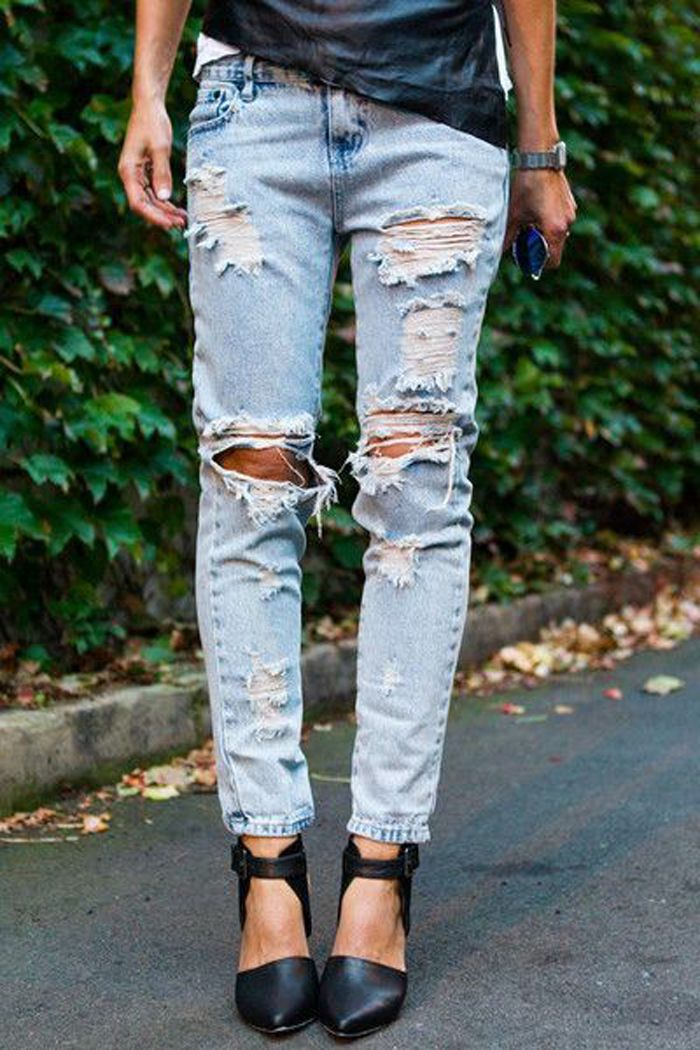 Mid To High Waisted Boyfriends Style Jeans Scuffs Holes