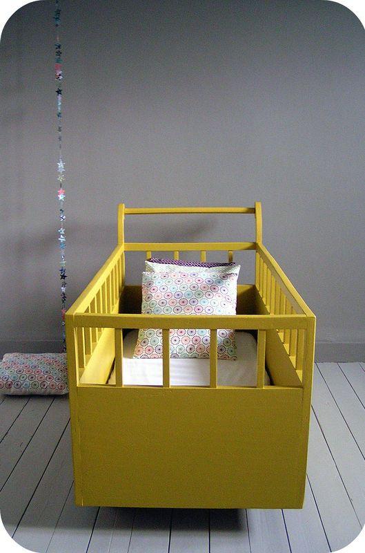 lit b b vintage atelier du petit parc chambre enfant pinterest crib nursery and babies. Black Bedroom Furniture Sets. Home Design Ideas