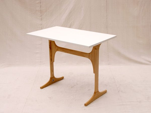 3style table - easily assembles and reassembles into 3 configurations (desk, coffee table, dining table).