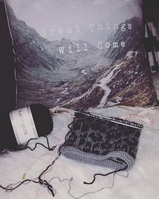 Knitting, wool, baby hat, leopard pattern, gray, black.  Krúsídúllur: Dúllerí í sumarfríinu ¤*¤