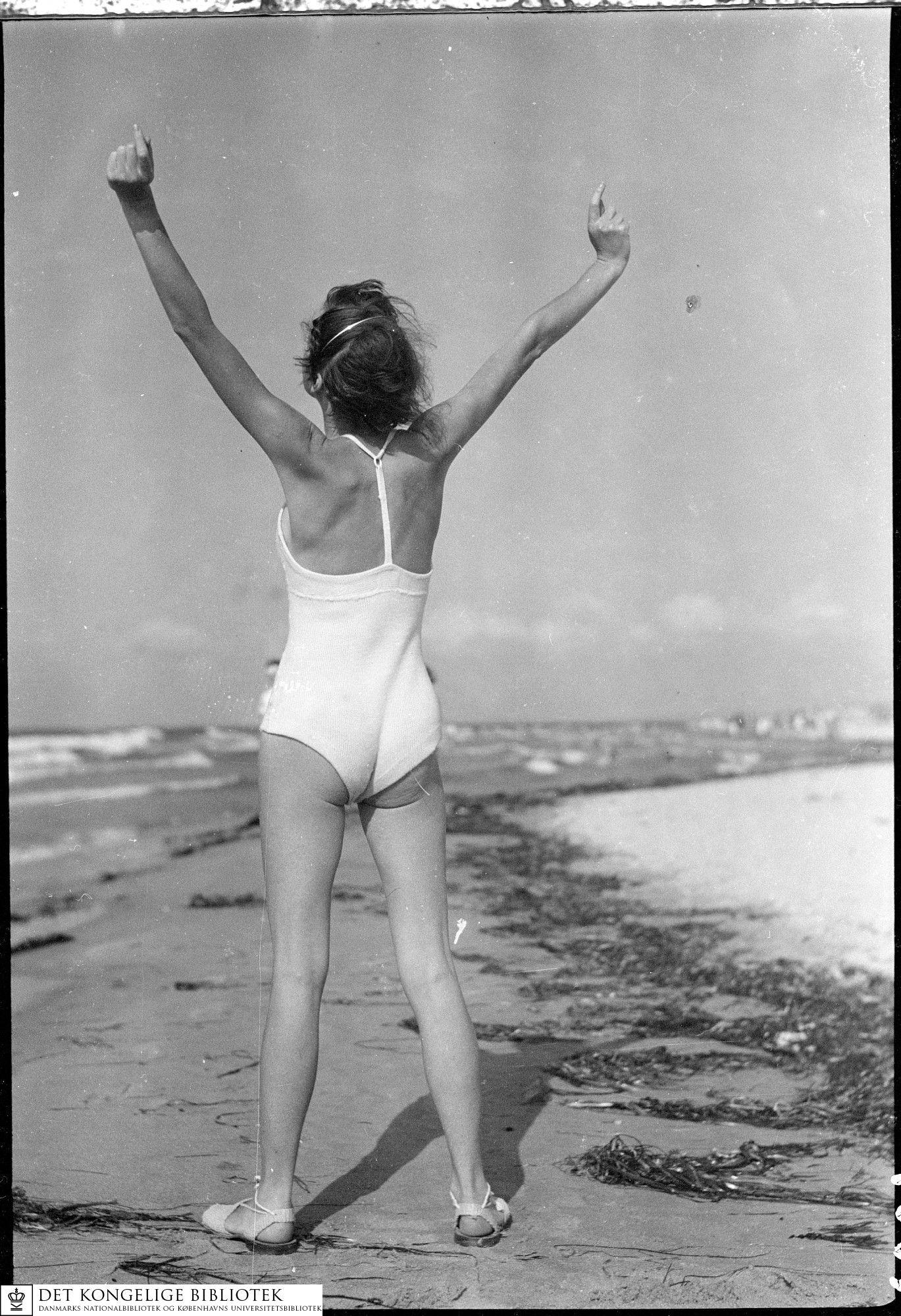 De la serie Beach Life, c.1940 - Sven Türck (1897-1954)