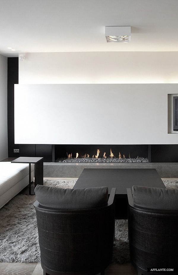 le charme d 39 une chemin e en appartement modern fireplaces modern and interiors. Black Bedroom Furniture Sets. Home Design Ideas