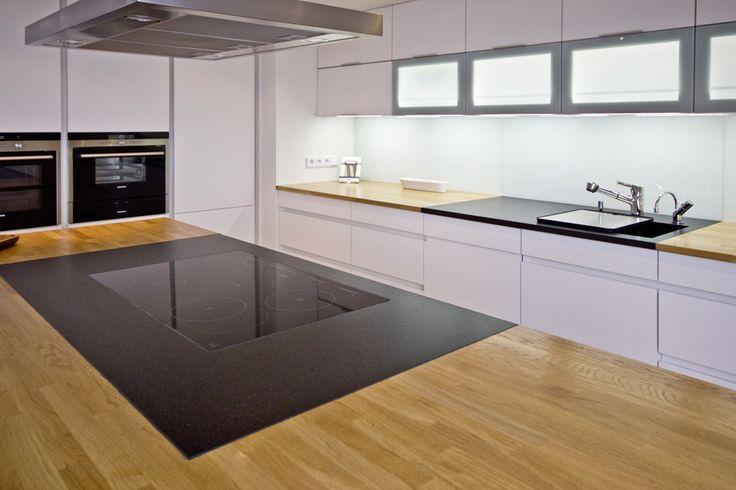 Kombinieren Sie den Nero Assoluto India mit anderen Materialien - küchen granit arbeitsplatten