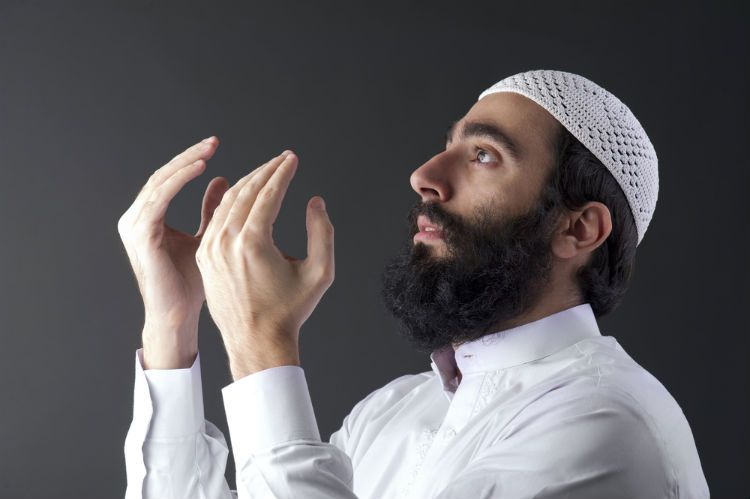 """Prev.pinner:Obama Hires Muslim Terrorists To Preach To US Military: Under the command of President Obama, the U.S. military is now rehiring Muslim clergymen for active-duty service personnel. The Islamic Society of North America (ISNA), which is a division of the Muslim Brotherhood, was contracted to provide the U.S. military Islamic imams for Muslim service members. The FBI views ISNA's """"work in America as a kind of grand jihad in eliminating and destroying Western civilization from…"""