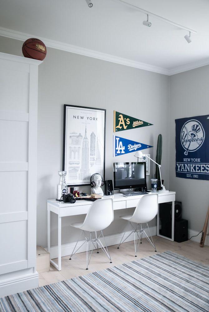 Photo of Teenage boy's room