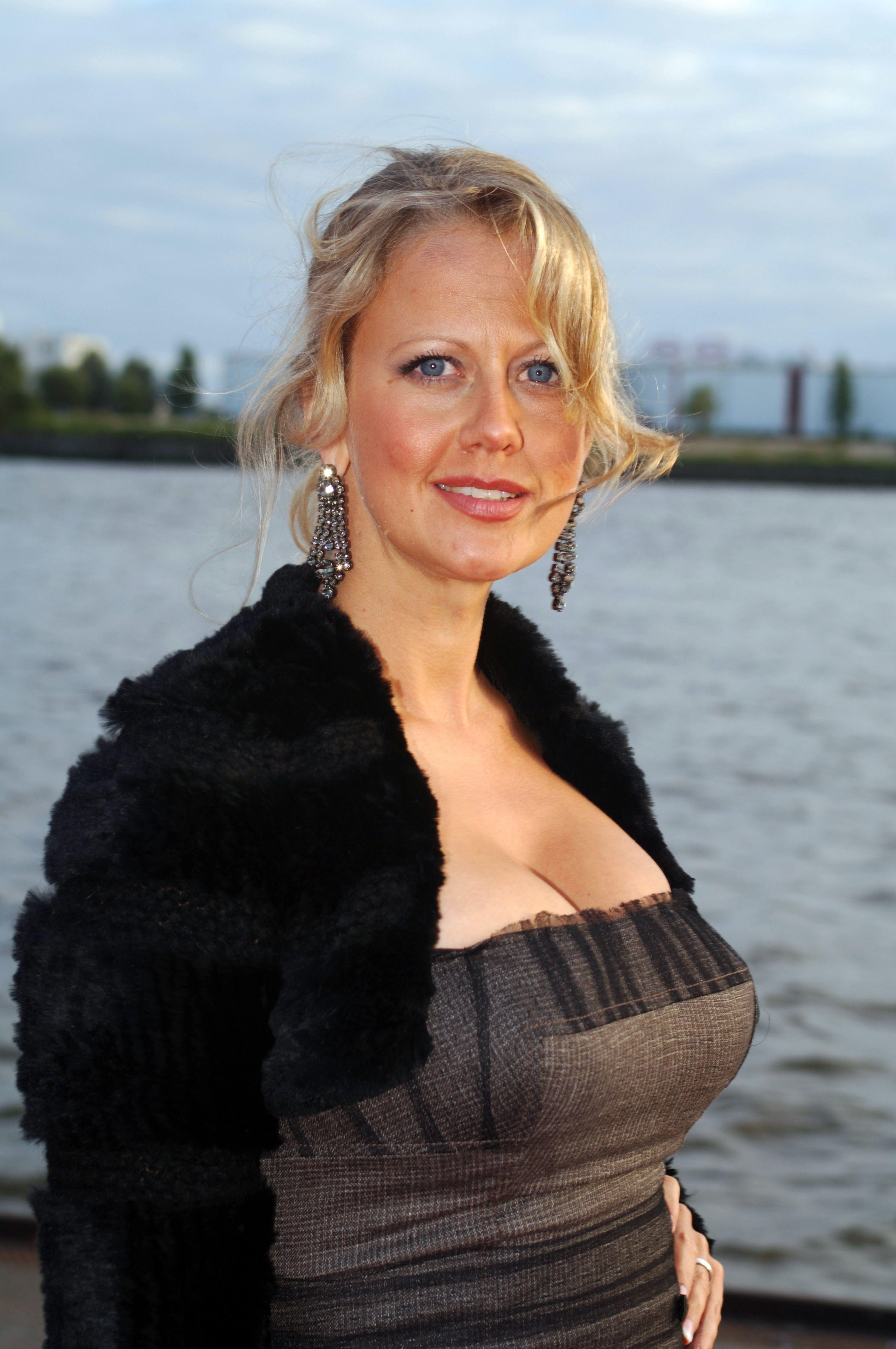 Barbara Schoeneberger. #Barbara #Schoeneberger