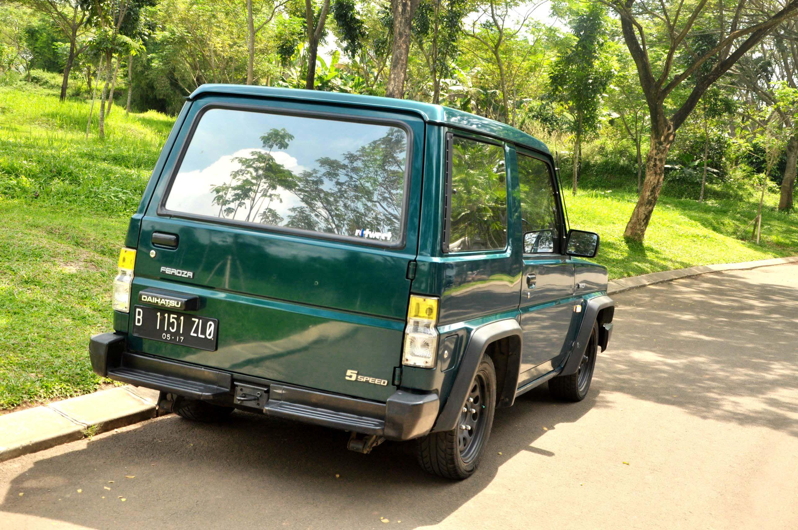 Dijual Daihatsu Feroza 1995