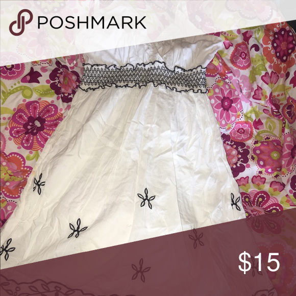 cuter sun dress adorable white sun dress! size M speed control new york Dresses Midi