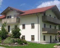 #bauernhofurlaub im #bayerischenWald: Der Goglhof ruhig gelegen, viel Platz zum Spielen und toben